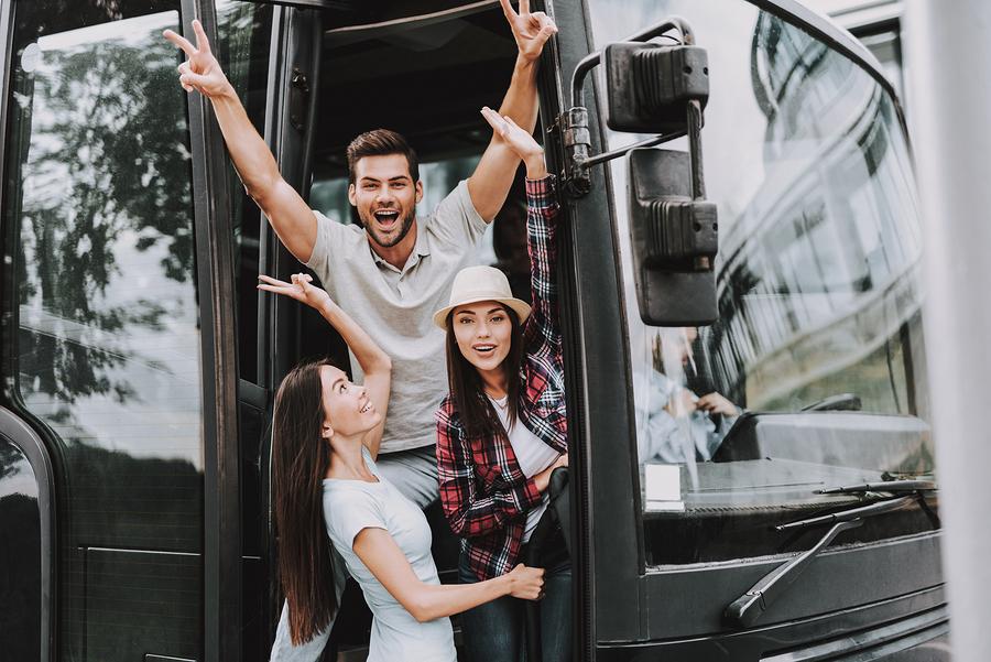 תיירים באוטובוס - טיולי הנשיא