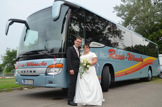 איך לבחור חברת הסעות לחתונה