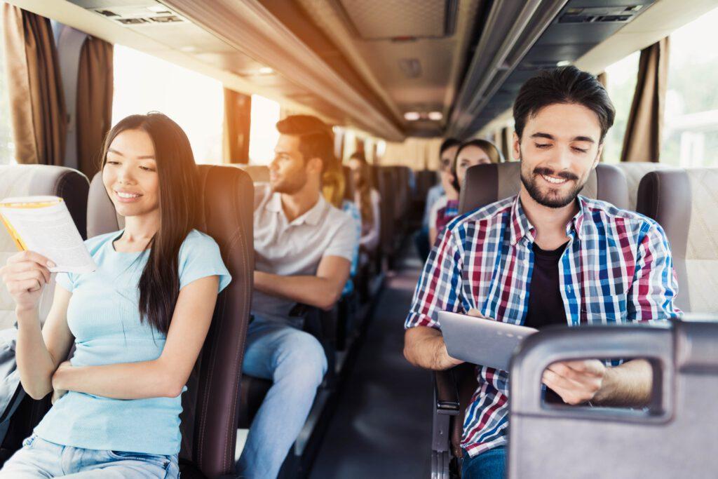 תהליך הזמנת שירותי הסעות וטיולים